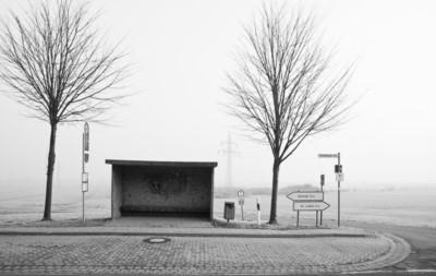Bushaltestelle auf dem Land