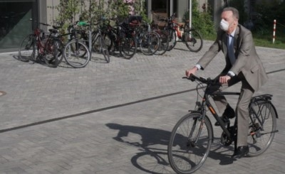 Frank Nitzsche auf dem Fahrrad im Möckernkiez